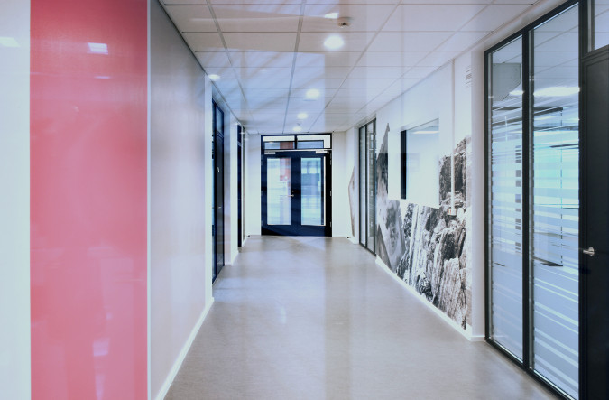 Color setting and photo montage at the hallway South. Photo Ib Sørensen